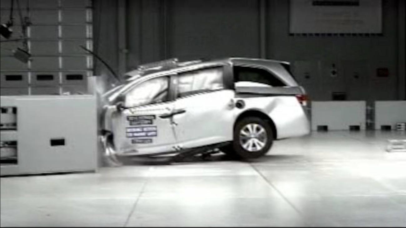 minivan crash tests