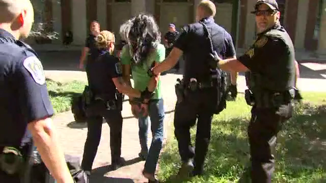 Wtvd Protstor Arrests Vid People Arrested During Rally On Uncs Campus Near The Silent Sam Monument Abcnews Com