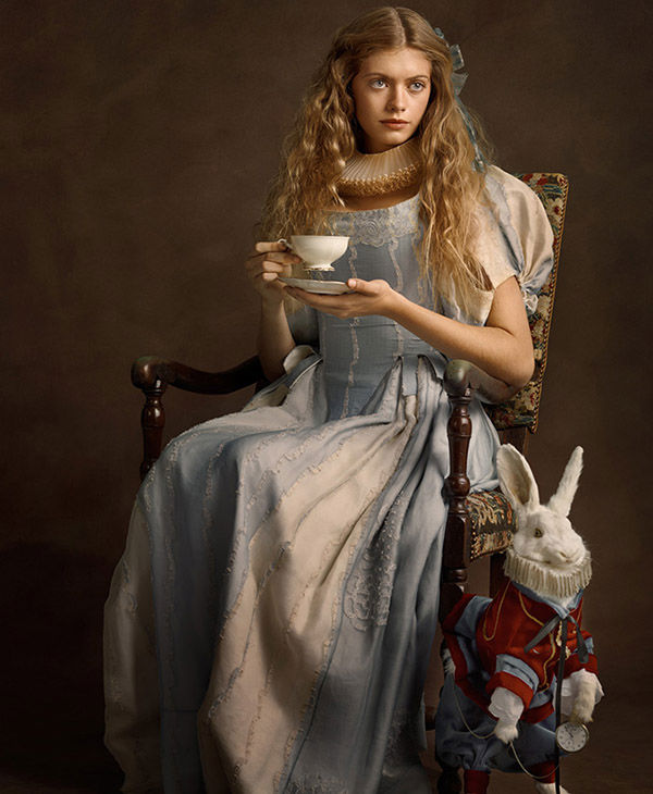 "<div class=""meta image-caption""><div class=""origin-logo origin-image ""><span></span></div><span class=""caption-text"">Alice in Wonderland (Sacha Goldberger)</span></div>"