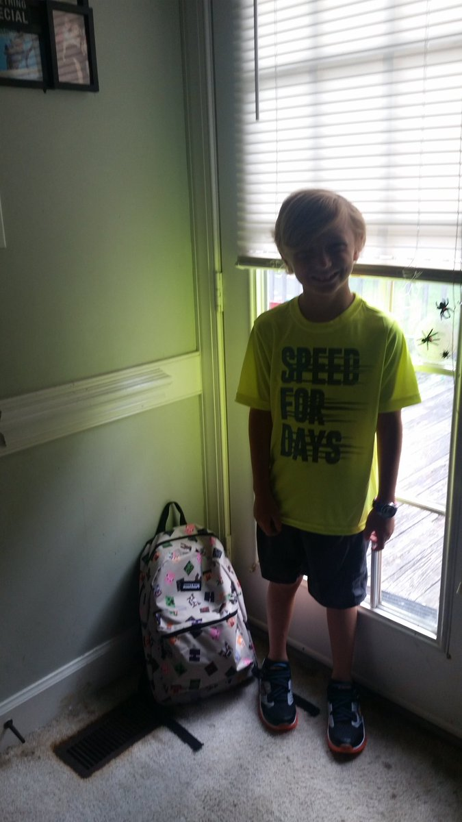 """<div class=""""meta image-caption""""><div class=""""origin-logo origin-image none""""><span>none</span></div><span class=""""caption-text"""">First day of 3rd grade! (@ammons_shannon / Twitter)</span></div>"""