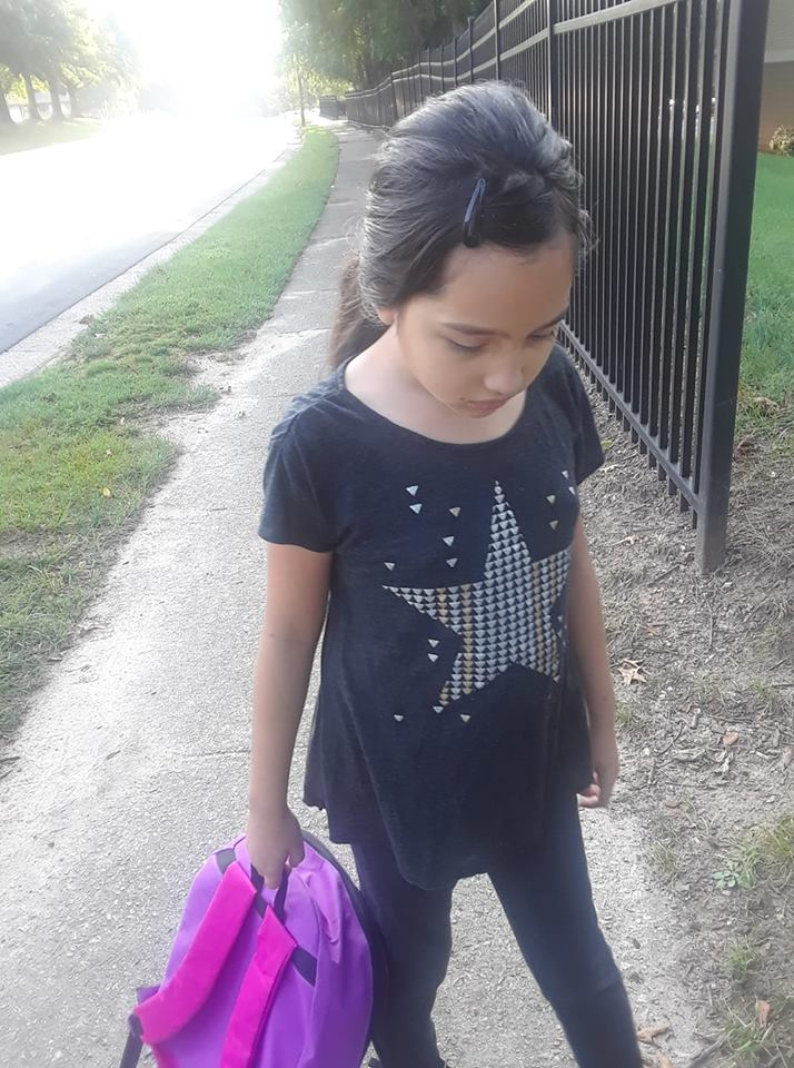 "<div class=""meta image-caption""><div class=""origin-logo origin-image none""><span>none</span></div><span class=""caption-text"">First day of 3rd grade! (Valerie Valeria)</span></div>"