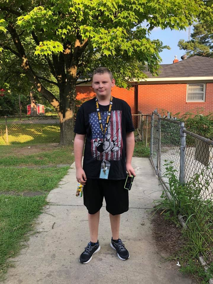 """<div class=""""meta image-caption""""><div class=""""origin-logo origin-image none""""><span>none</span></div><span class=""""caption-text"""">First day of 9th grade at South View High School in Fayetteville! (Sarah Warren)</span></div>"""