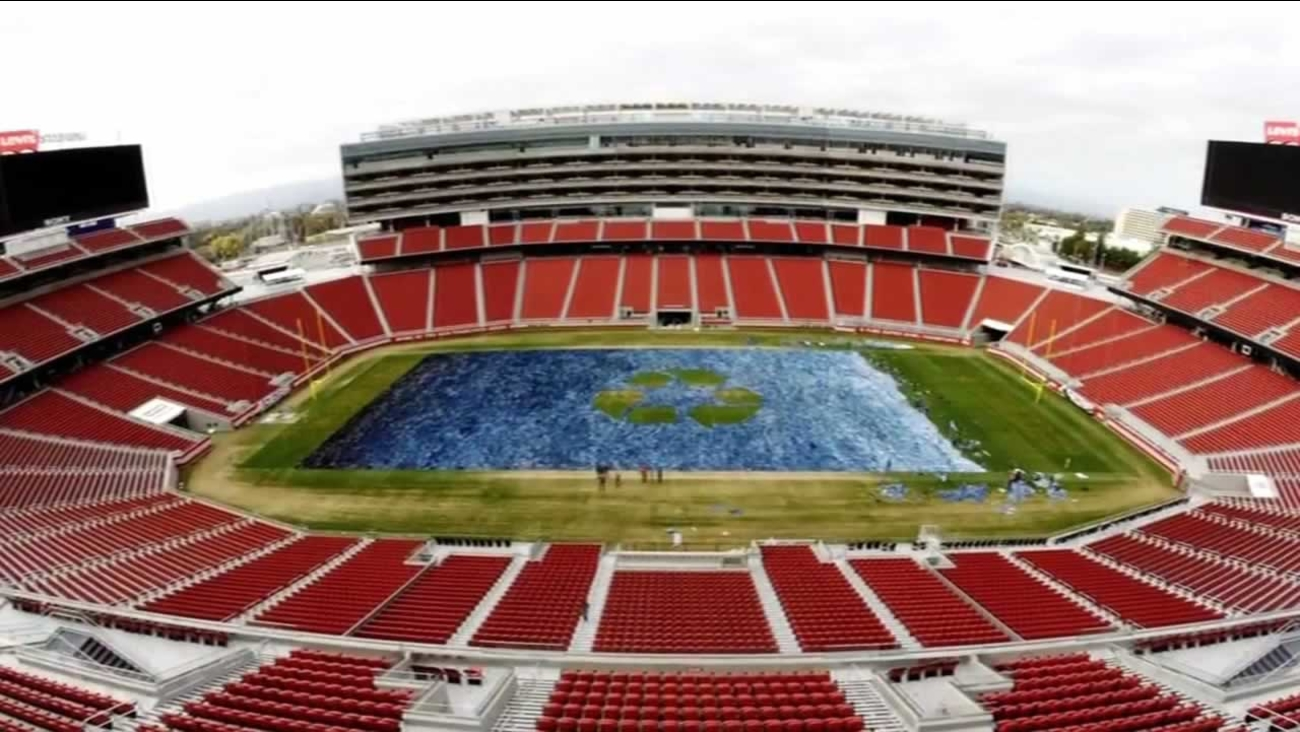 "Levi's Stadium in Santa Clara was literally turned into a ""Field of Jeans"" for two good causes."