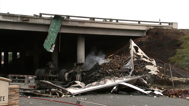 2 drivers killed when semi goes off 60 Fwy in South El Monte