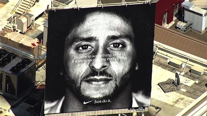 Video Colin Kaepernick Billboard Hangs High Above Nike Store In San Francisco S Union Square Abc7 San Francisco