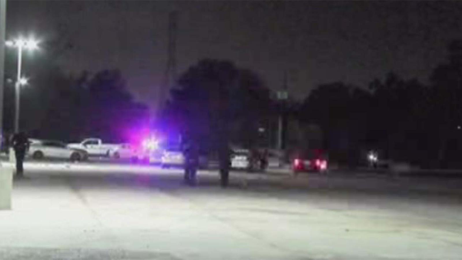 triple shooting in channelview leaves 1 man dead