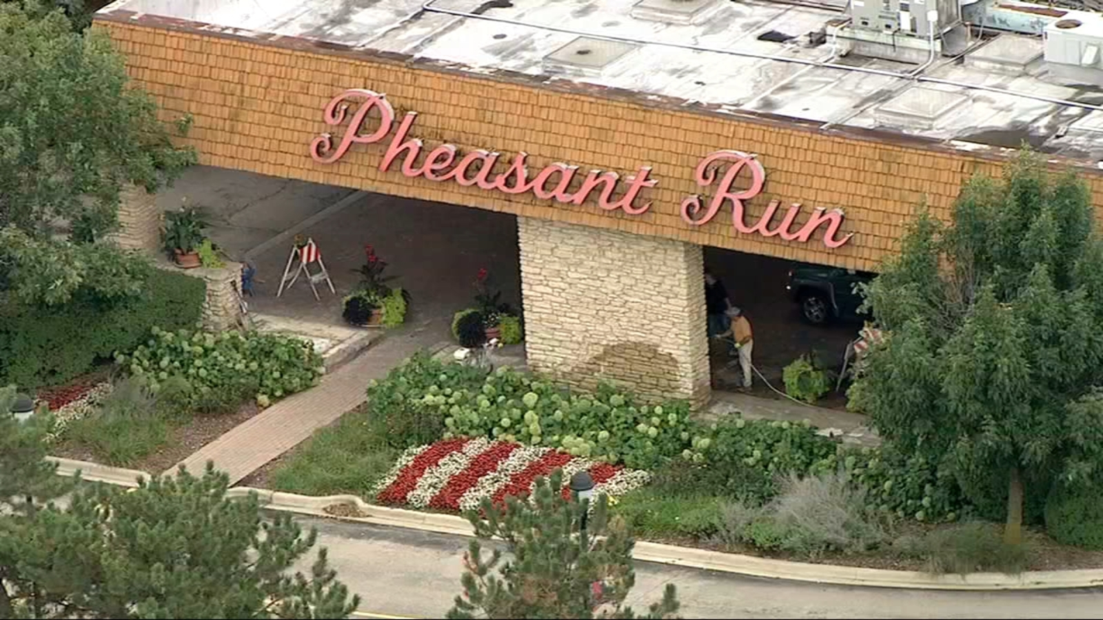 Closed Pheasant Run Resort puts items up for auction