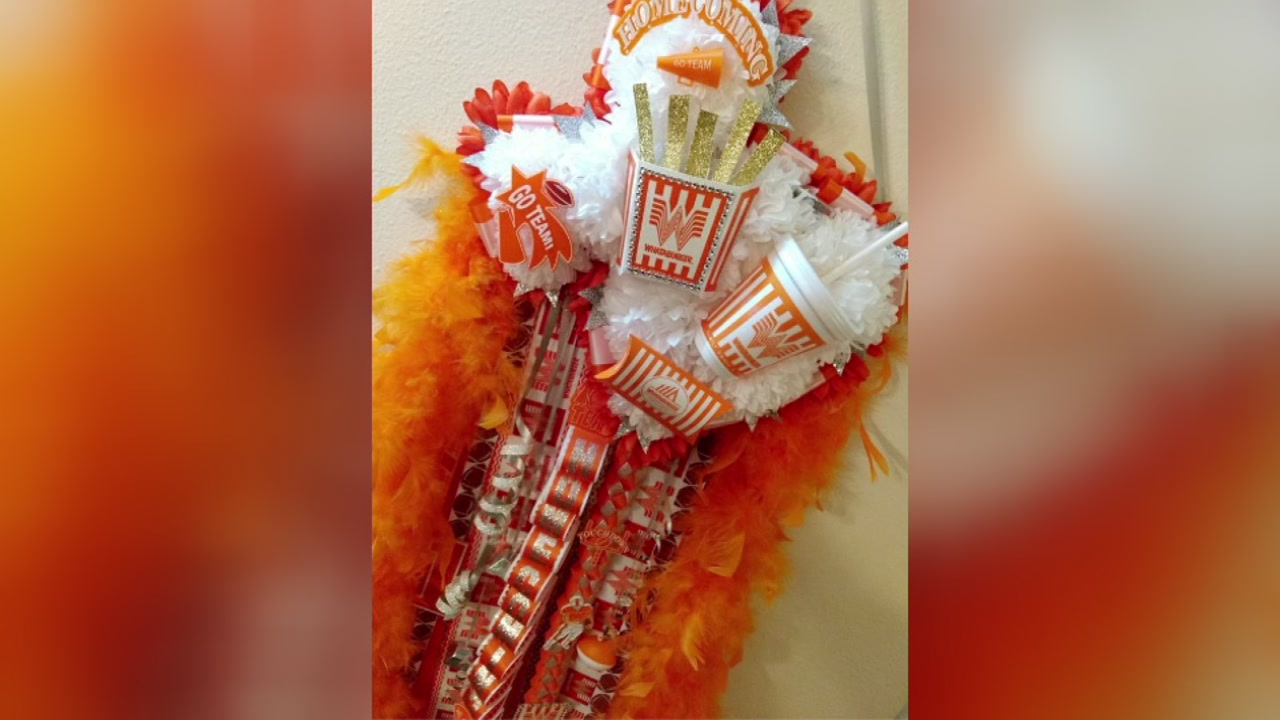 Mums The Word A Big Texas Homecoming Tradition Abc13 Houston