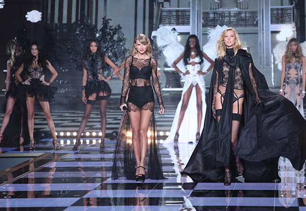 Photos Victoria S Secret Fashion Show 2014 Featuring Taylor Swift Kabc7 Photos And Slideshows Abc7 Los Angeles
