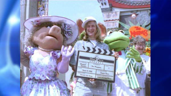 "<div class=""meta image-caption""><div class=""origin-logo origin-image ""><span></span></div><span class=""caption-text"">Puppeteer John Henson, son of the late Muppets creator Jim Henson, died on Feb. 14, 2014 from a heart attack after building an igloo with his daughter, his sister said. He was 48.</span></div>"