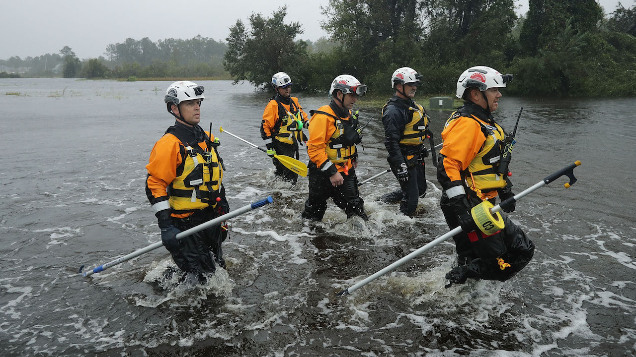 "<div class=""meta image-caption""><div class=""origin-logo origin-image wabc""><span>wabc</span></div><span class=""caption-text"">Members of the FEMA Urban Search & Rescue Task Force 4 and soldiers from the North Carolina National Guard search homes for evacuees in Fairfield Harbour during Hurricane Florence. (Chip Somodevilla/Getty Images)</span></div>"