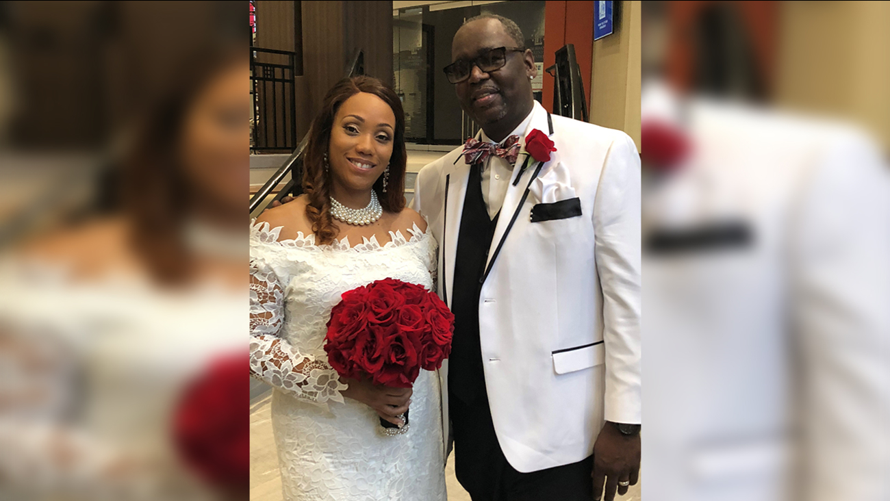 Couple doesn't let Florence stop them from tying the knot