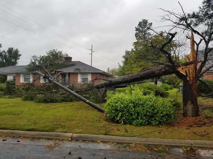 "<div class=""meta image-caption""><div class=""origin-logo origin-image wtvd""><span>WTVD</span></div><span class=""caption-text"">Damage from Florence in Sampson County, N.C. (ABC11 Eyewitness - Chris Hagan)</span></div>"