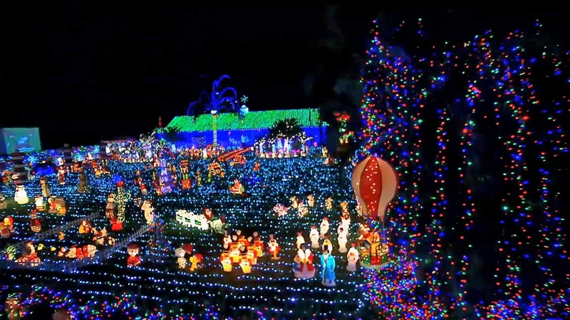 The Great Christmas Light Fight.Great Christmas Light Fight Returns For More Holiday Competition