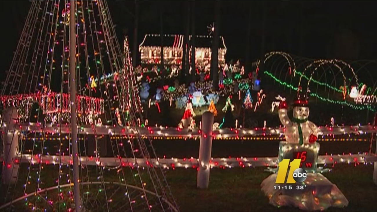 Christmas Light Fight.Clayton Family Wins On Great Christmas Light Fight Abc11 Com