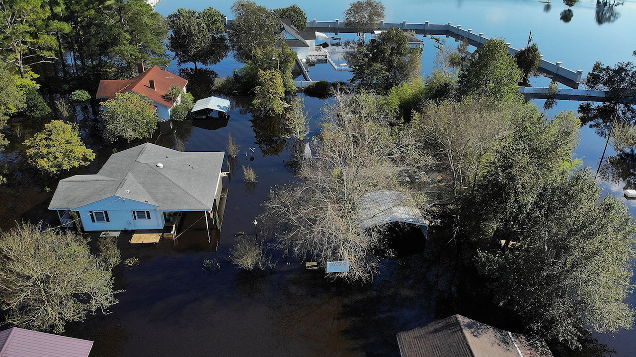 "<div class=""meta image-caption""><div class=""origin-logo origin-image kfsn""><span>kfsn</span></div><span class=""caption-text"">Flood waters isolate homes in the aftermath of Hurricane Florence September 19, 2018, in Lumberton, North Carolina. (Joe Raedle/Getty Images)</span></div>"