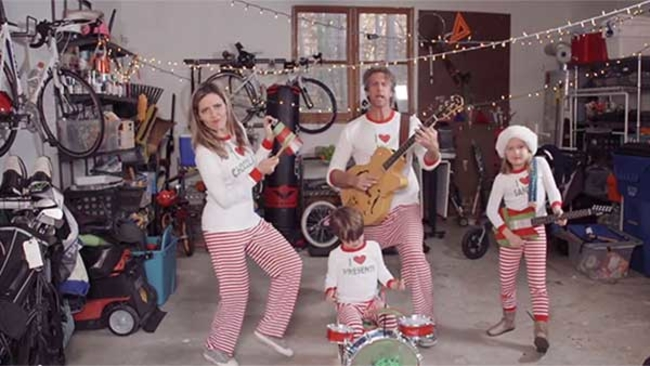 viral holderness family release 2014 christmas jammies video abc13com