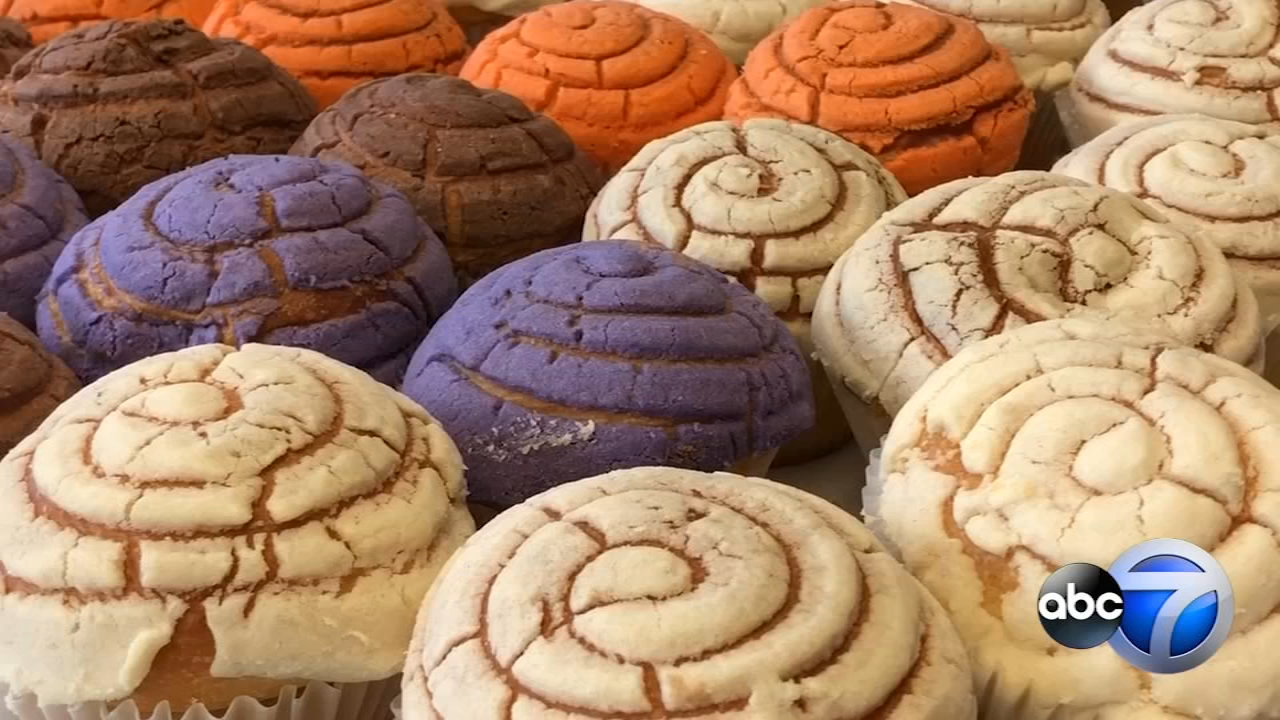 Whats A Manteconcha The Trendy New Pan Dulce Muffin Combo Sweeping Mexican Bakeries Across US
