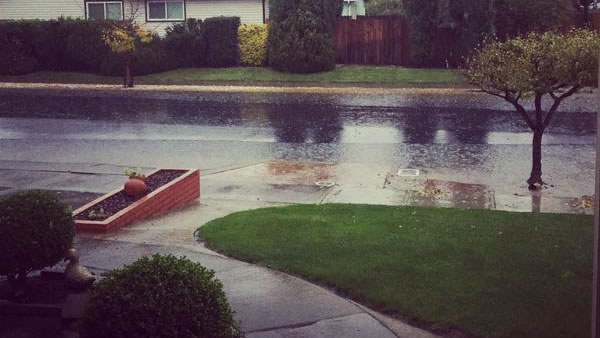"<div class=""meta image-caption""><div class=""origin-logo origin-image ""><span></span></div><span class=""caption-text"">Street flooding in Napa on Thursday, Dec. 11, 2014 (Cessileyh/Twitter)</span></div>"