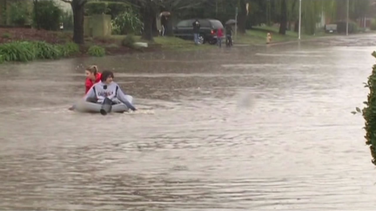 "<div class=""meta image-caption""><div class=""origin-logo origin-image ""><span></span></div><span class=""caption-text"">In some parts of Healdsburg, it's easier to float around on air mattresses than drive on Thursday, Dec. 11, 2014. (ABC7 News)</span></div>"