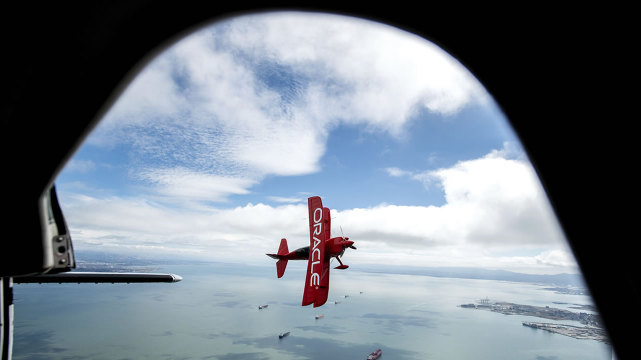 "<div class=""meta image-caption""><div class=""origin-logo origin-image none""><span>none</span></div><span class=""caption-text"">In advance of Fleet Week performances, Team Oracle aerobatics pilot Sean D. Tucker flies above the San Francisco Bay, Thursday, Oct. 4, 2018, in San Francisco. (AP Photo/Noah Berger)</span></div>"