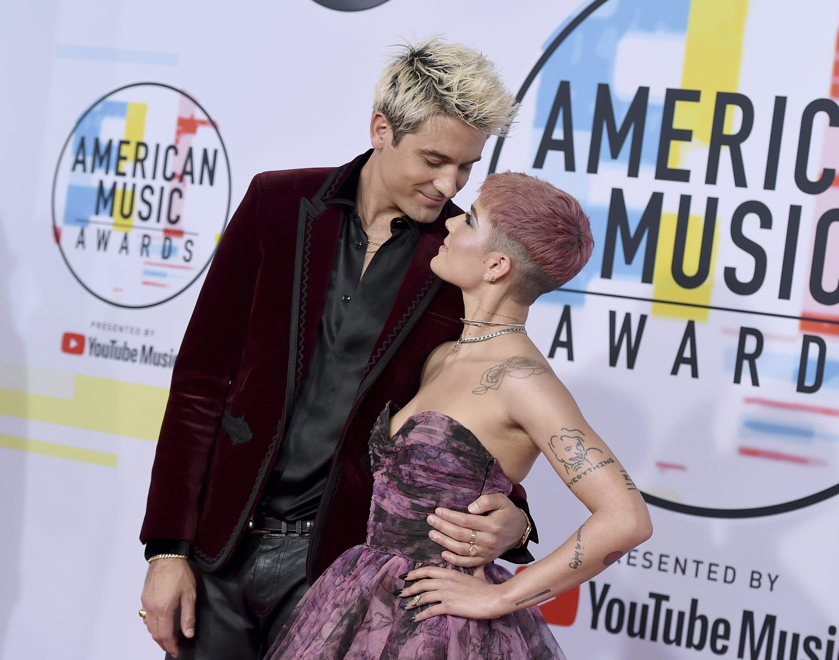"<div class=""meta image-caption""><div class=""origin-logo origin-image none""><span>none</span></div><span class=""caption-text"">G-Eazy, left, and Halsey arrive at the American Music Awards on Tuesday, Oct. 9, 2018, at the Microsoft Theater in Los Angeles. (Jordan Strauss/Invision/AP)</span></div>"
