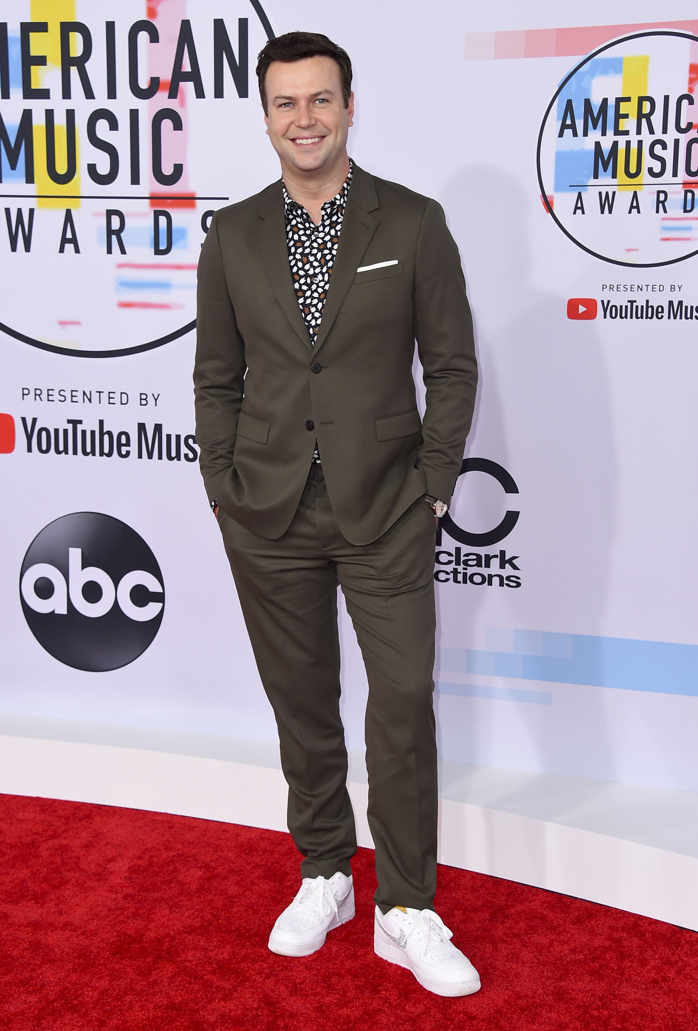 "<div class=""meta image-caption""><div class=""origin-logo origin-image none""><span>none</span></div><span class=""caption-text"">Taran Killam arrives at the American Music Awards on Tuesday, Oct. 9, 2018, at the Microsoft Theater in Los Angeles. (Jordan Strauss/Invision/AP)</span></div>"