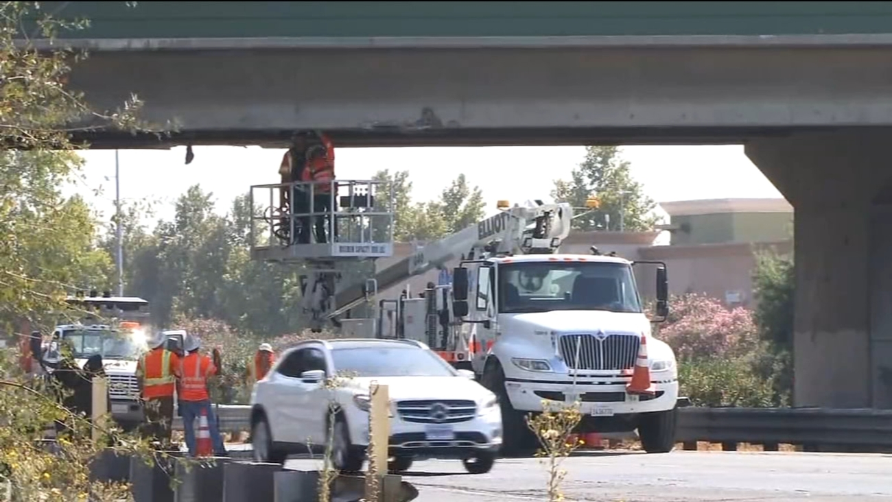 semi truck collides with highway 99 overpass in atwater causing