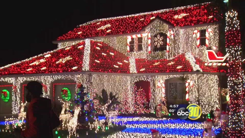 Christmas Light Fight.Sanger Family Competes For 50 000 On The Great Christmas Light Fight