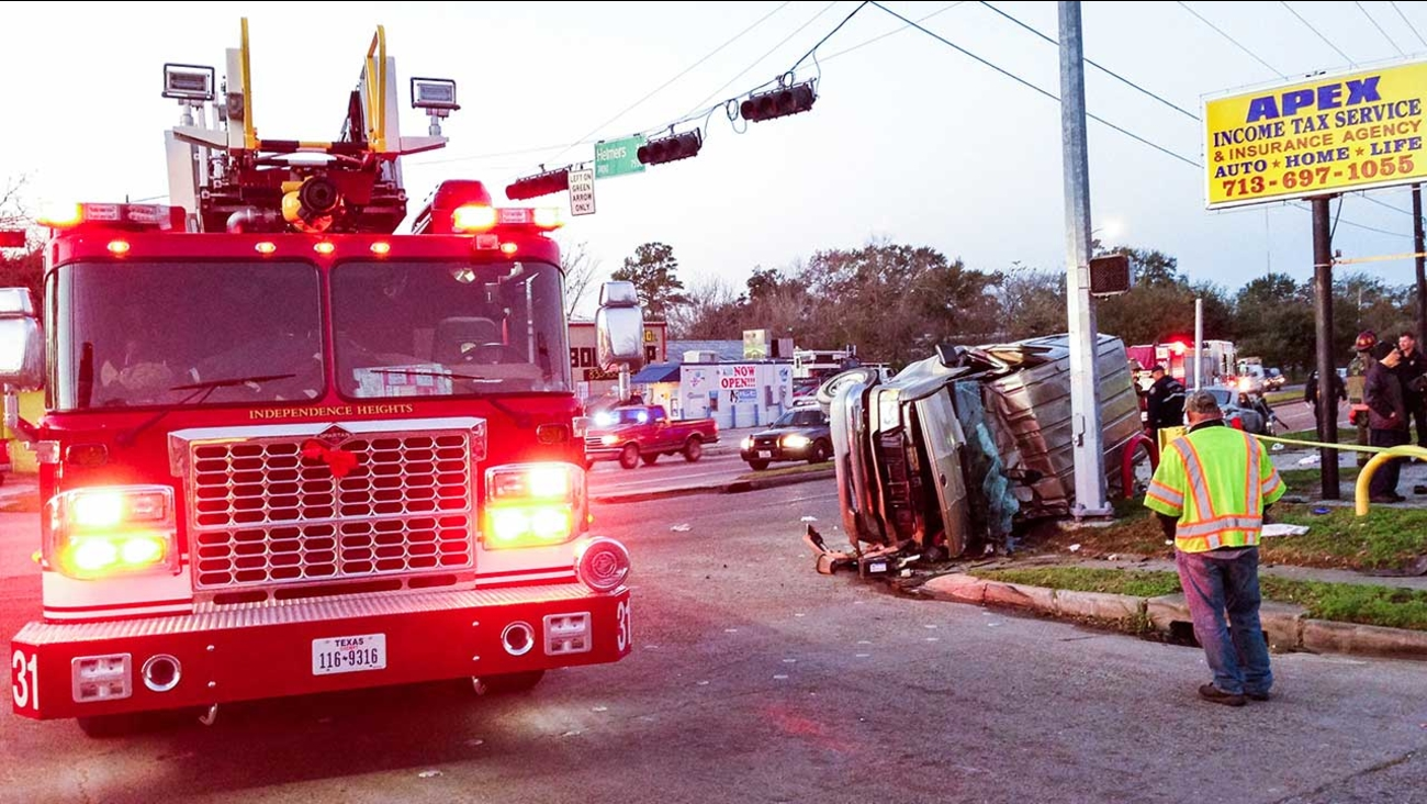 Serious crash reportedly injures multiple people in N  Houston
