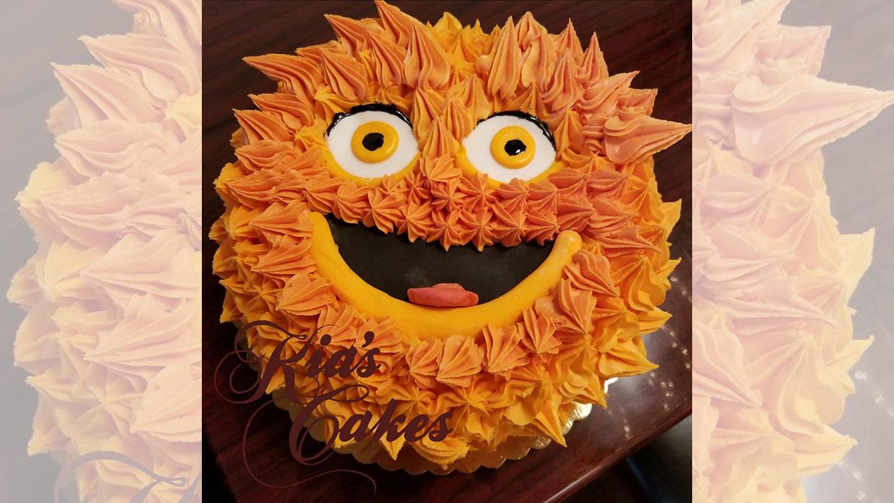Delaware County Baker Creates Gritty Wedding Cake