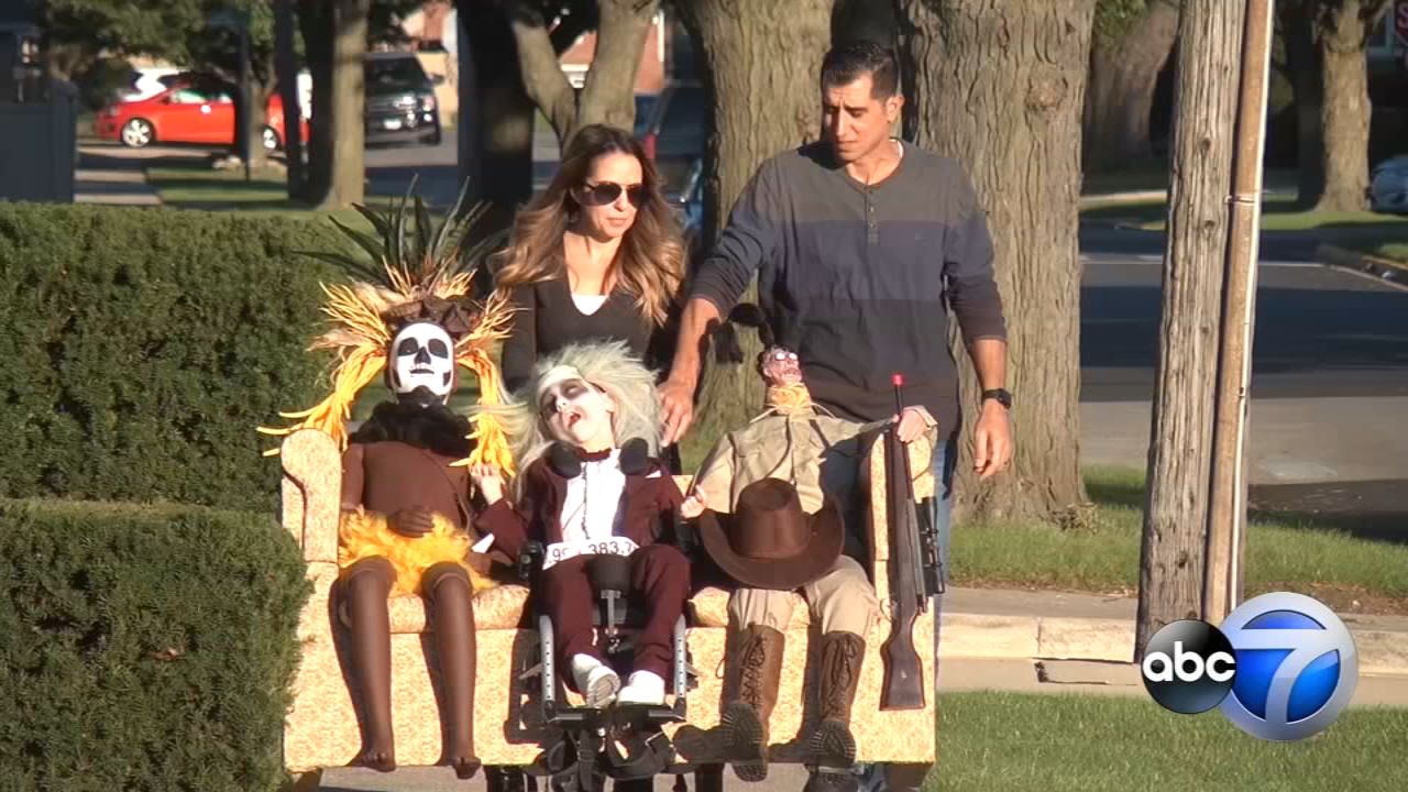 Illinois Boy With Cerebral Palsy Impresses With Beetlejuice Halloween Costume Abc7 Los Angeles