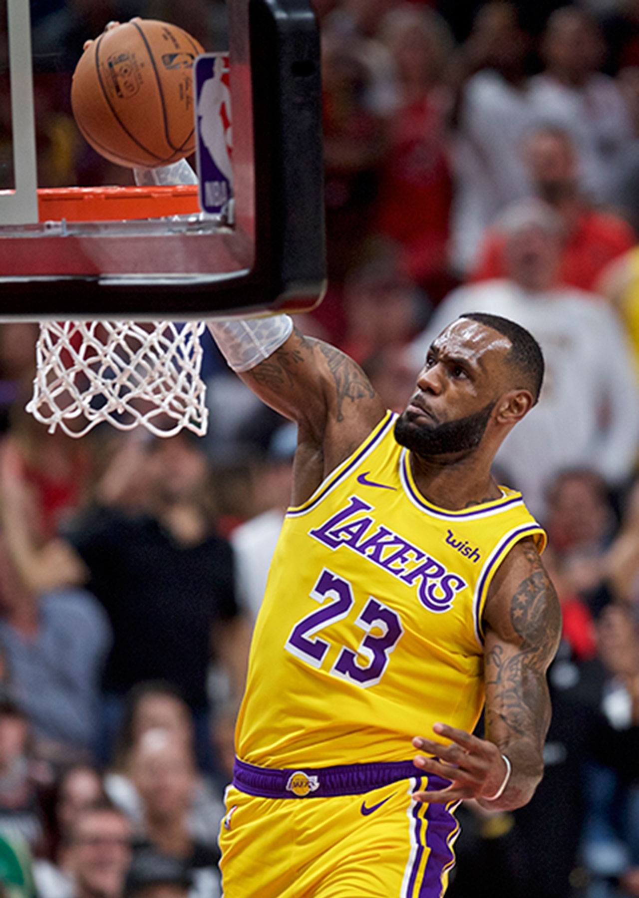 Laker LeBron James dunks during the game against the Trail Blazers in Portland on Thursday, Oct. 18, 2018.
