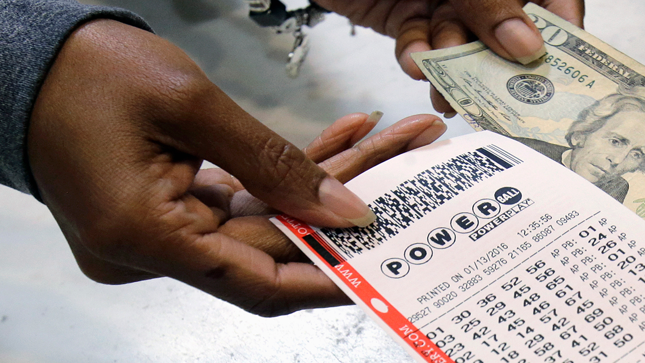 Powerball Jackpot Climbs To 620 Million After No Winner Cash Pb 20000
