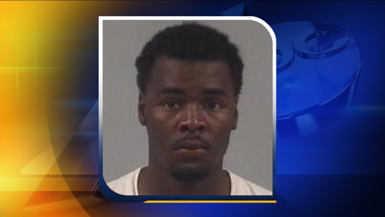 Mugshot of Cortaz Quemel Lucas, Jr. from a previous arrest.
