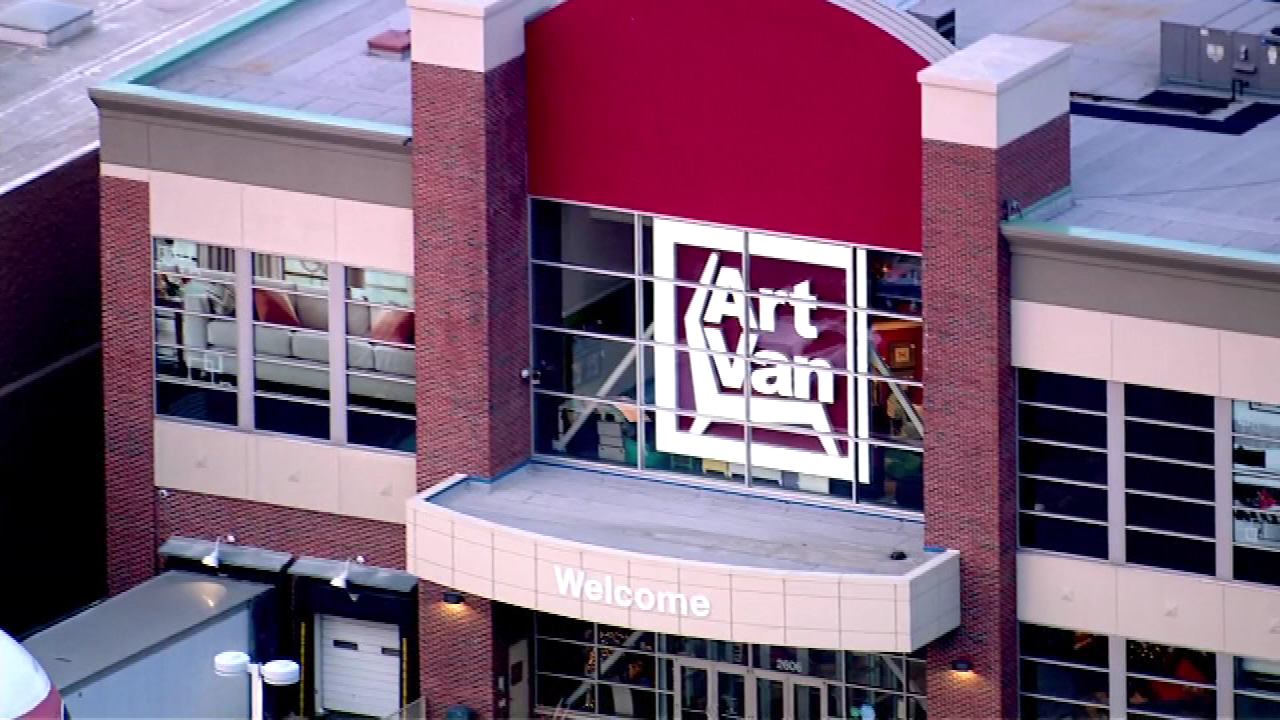 Attrayant Art Van Shoppers Could Score Free Furniture If It Snows On Super Bowl  Sunday | Abc7chicago.com