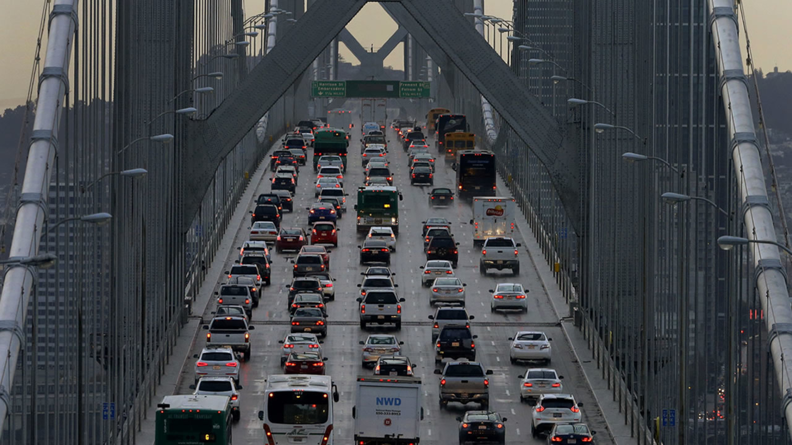 Memorial Day weekend travel to be 2nd busiest in 20 years, AAA says