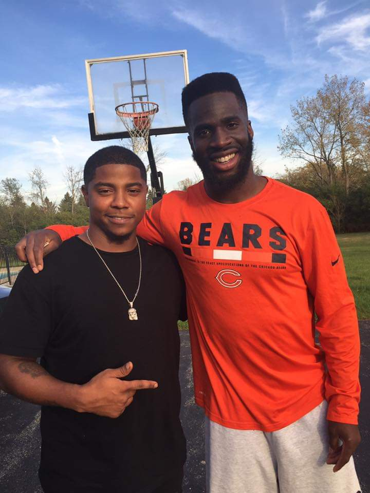 Mike Carney was a popular barber in Harvey who styled the likes of Chicago Bears cornerback Prince Amukamara (right).