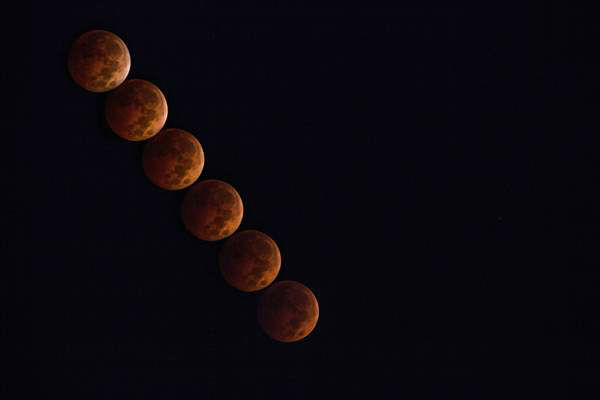 "<div class=""meta image-caption""><div class=""origin-logo origin-image ""><span></span></div><span class=""caption-text"">A time lapse of the lunar eclipse shot from off Hwy 401 in Garner on the morning of October 8. (iWitness Photo)</span></div>"