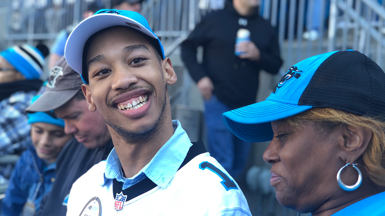 db9d7f19190 Rae Carruth's son attends Panthers game, days after father released from  prison