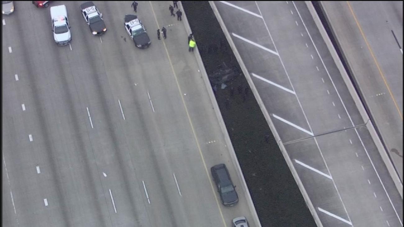 Three killed in freeway wreck