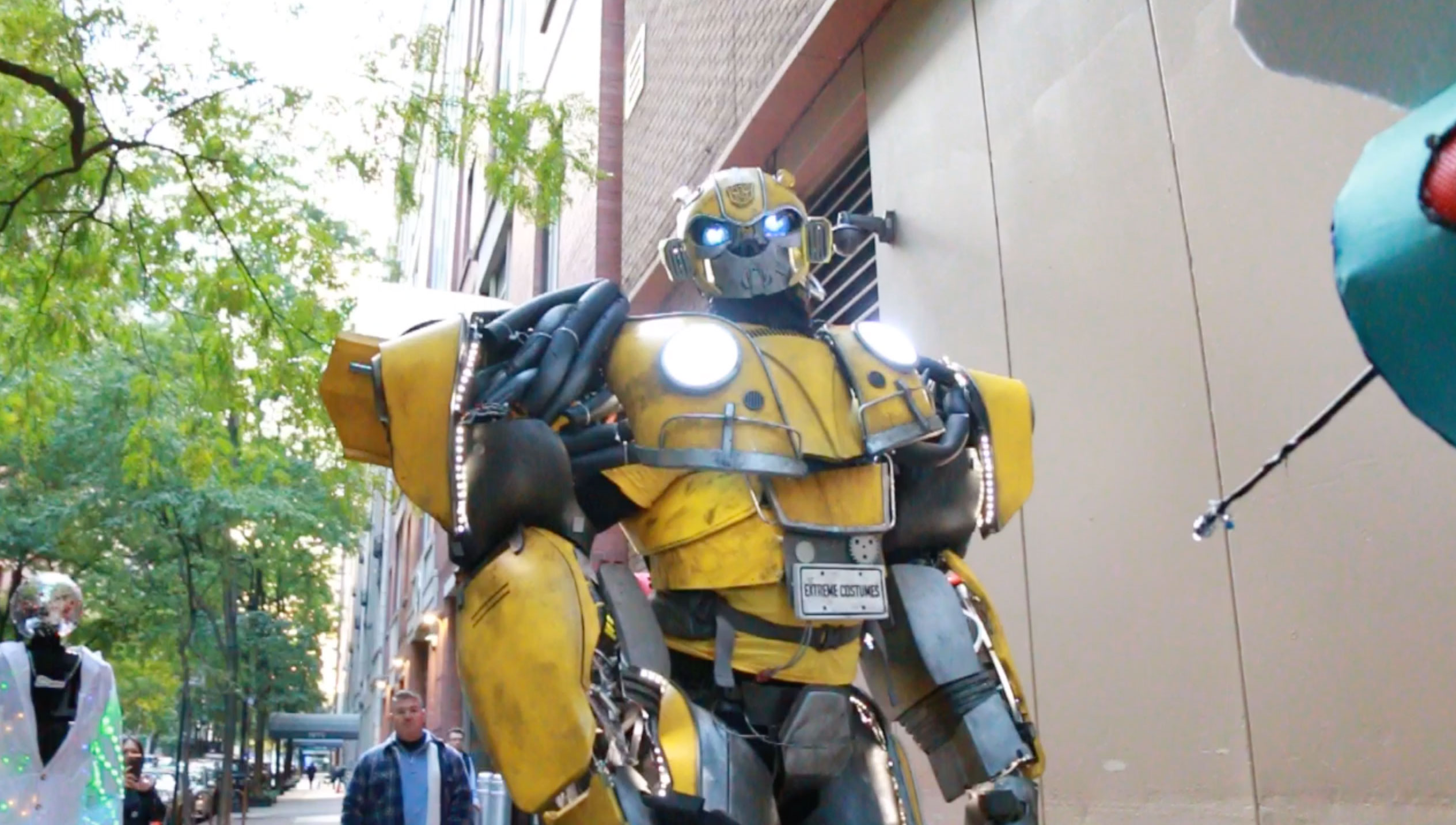 <div class='meta'><div class='origin-logo' data-origin='none'></div><span class='caption-text' data-credit=''>This contestant was dressed as Bumblebee from ''Transformers.''</span></div>