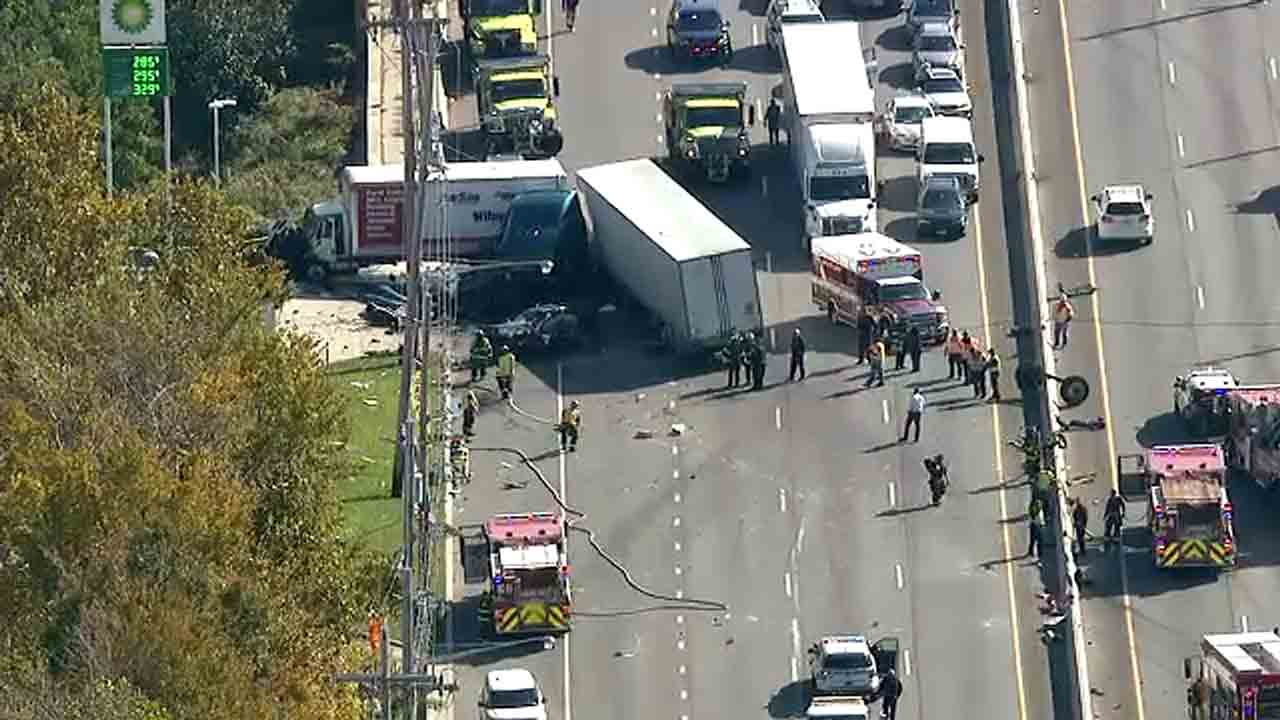 Injuries, delays after tractor-trailer jackknifes on Route 3 in New Jersey