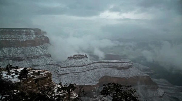 "<div class=""meta image-caption""><div class=""origin-logo origin-image ""><span></span></div><span class=""caption-text"">Clouds and snow covers the last sunset of 2014 at Grand Canyon Yavapai Point. (Grand Canyon National Parks Service)</span></div>"