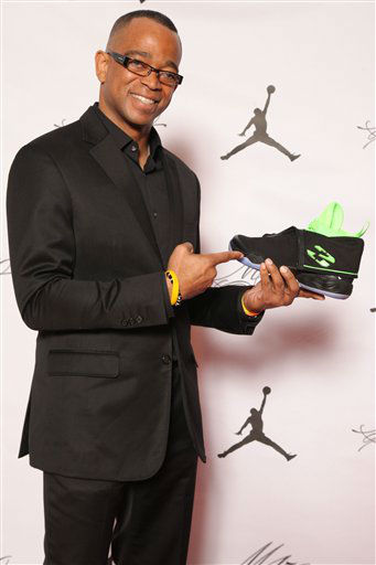 "<div class=""meta image-caption""><div class=""origin-logo origin-image ""><span></span></div><span class=""caption-text"">Stuart Scott is seen at the Jordan Brand party celebrating Michael Jordan's birthday on February 15, 2013 in Houston, TX. (Photo by Omar Vega/Invision for Jordan Brand/AP Images)</span></div>"