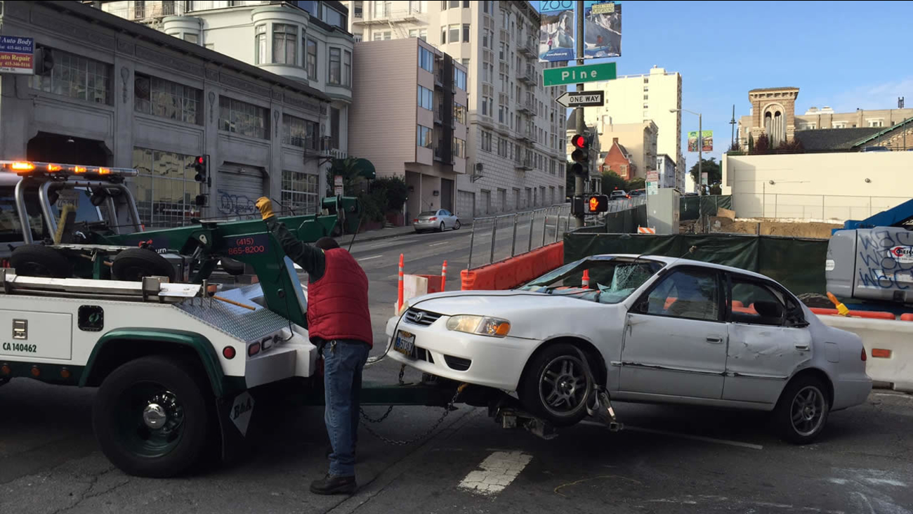 Car accident on Pine Street in San Francisco