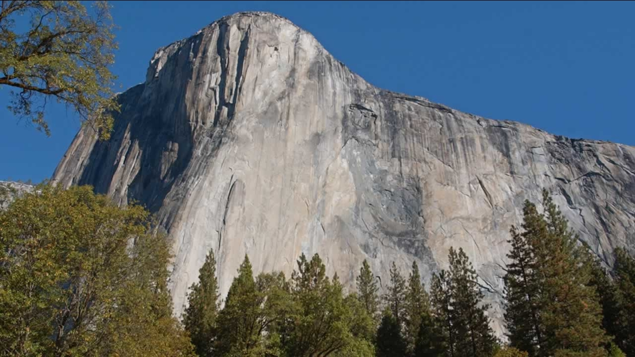 El Capitan in Yosemite National Park, Calif., is seen Thursday, Oct. 21, 2004. (AP Photo/Paul Sakuma)