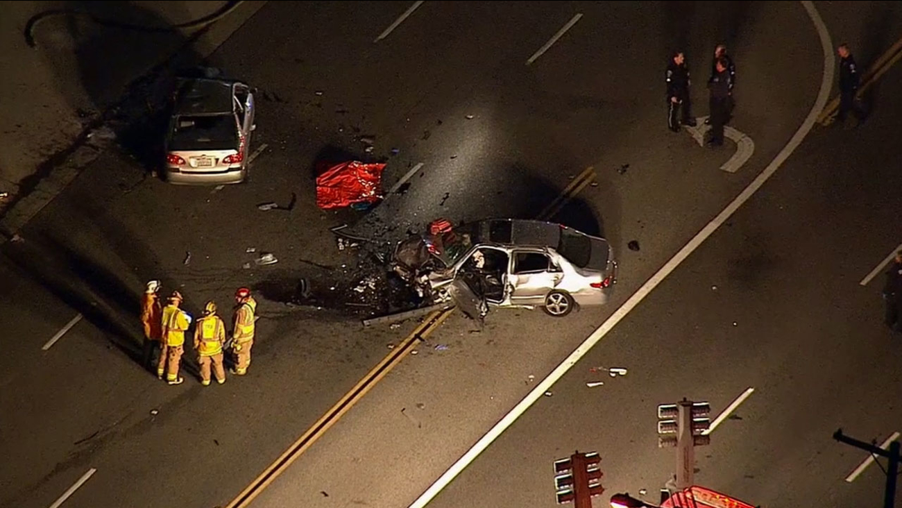 Torrance crash leaves 2 dead, 1 injured | abc7 com