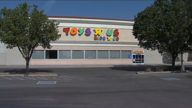 Toys R Us Making Comeback With Plans For 2 Us Stores In 2019 Abc30 Fresno