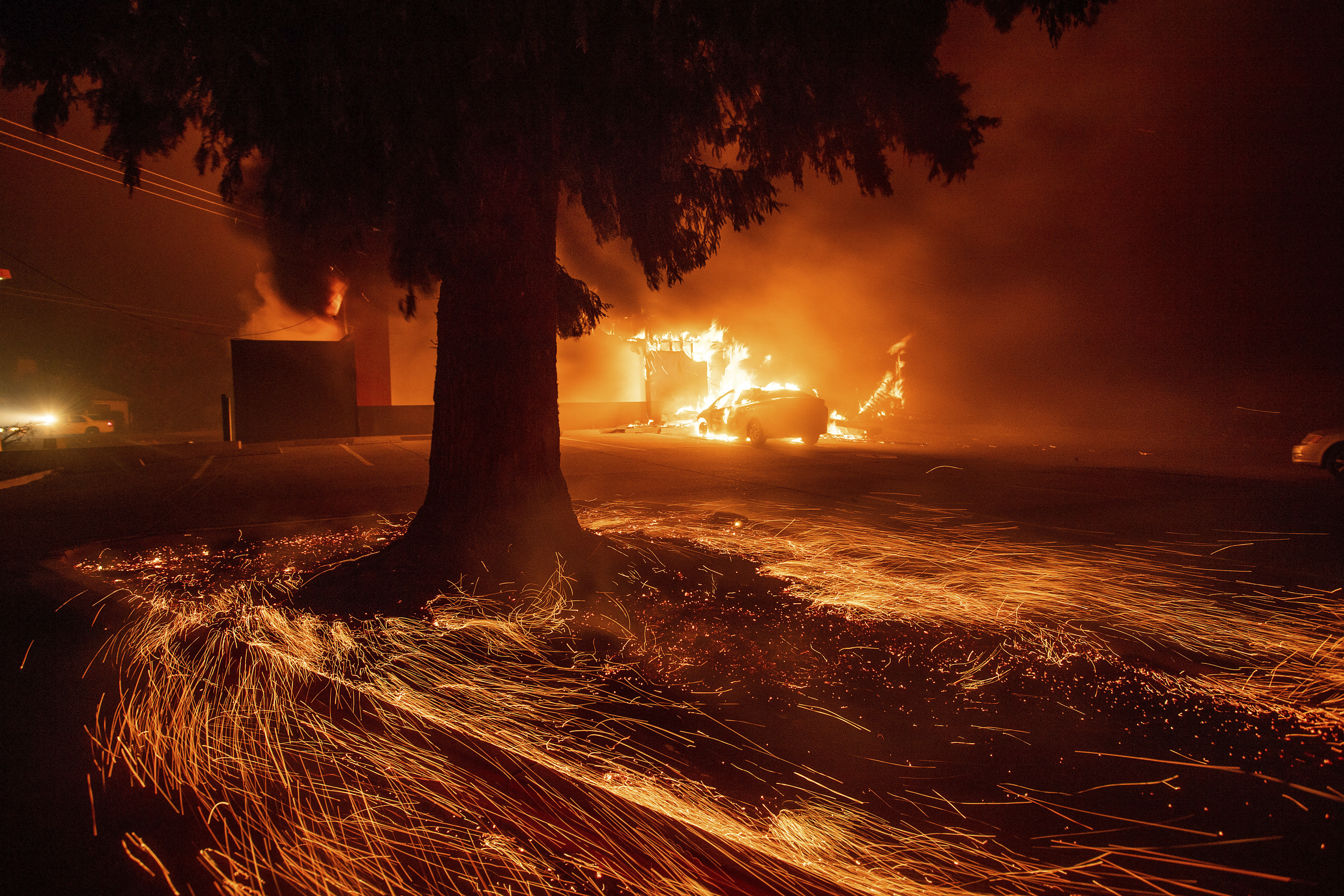 California Fires Updates Maps Coverage Of Camp Woolsey Other Ca